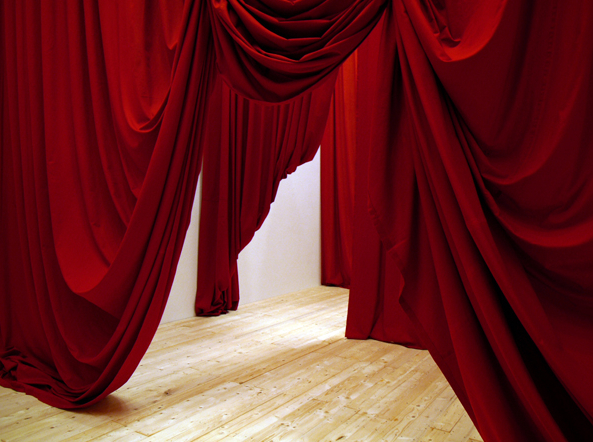 5folded curtains